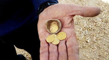 Arkeolog Israel Temukan Dinar Emas Khalifah Harun al-Rashid Berusia 1.200 Tahun