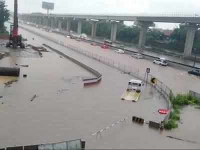 Infrastruktur Makin Dipaksa, Banjir Makin Menggila