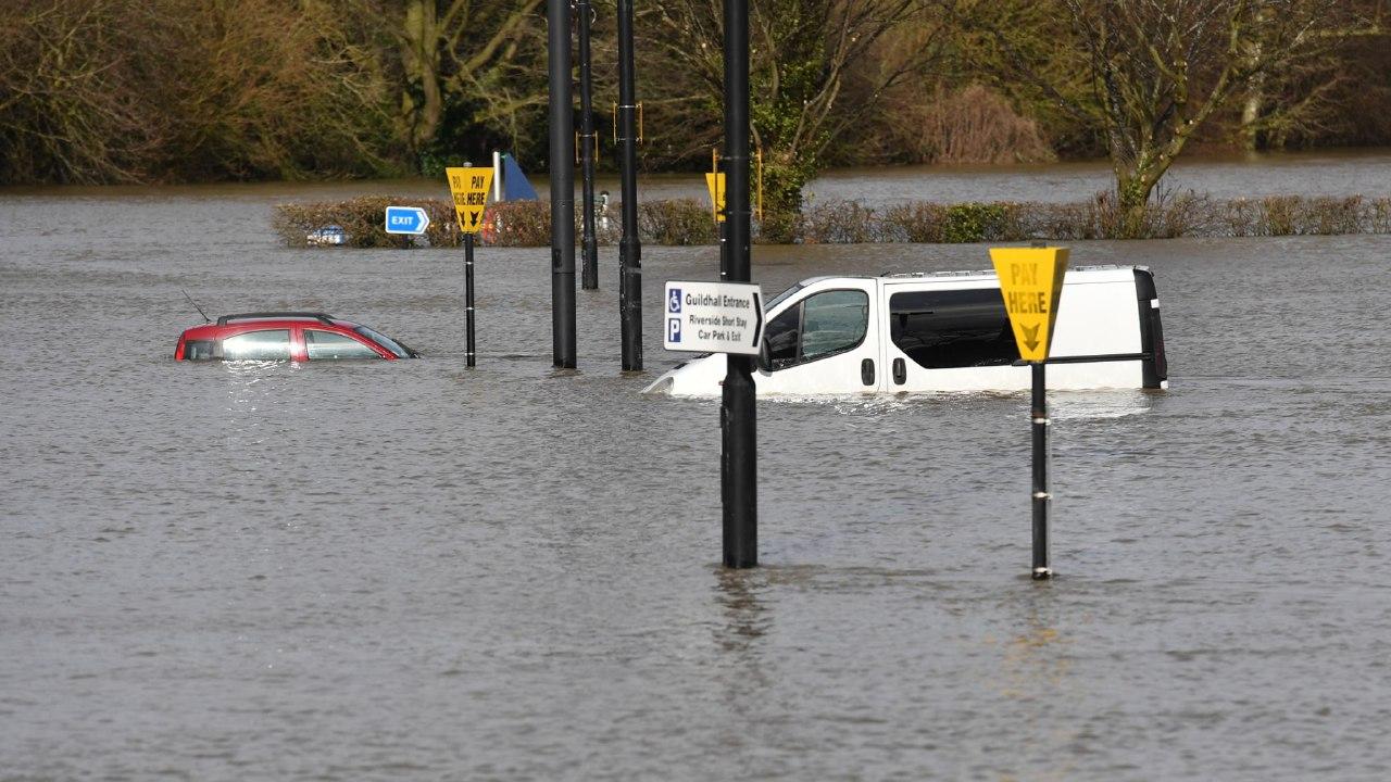 Banjir Bikin Mikir: Salah Manusia atau Sistemnya?