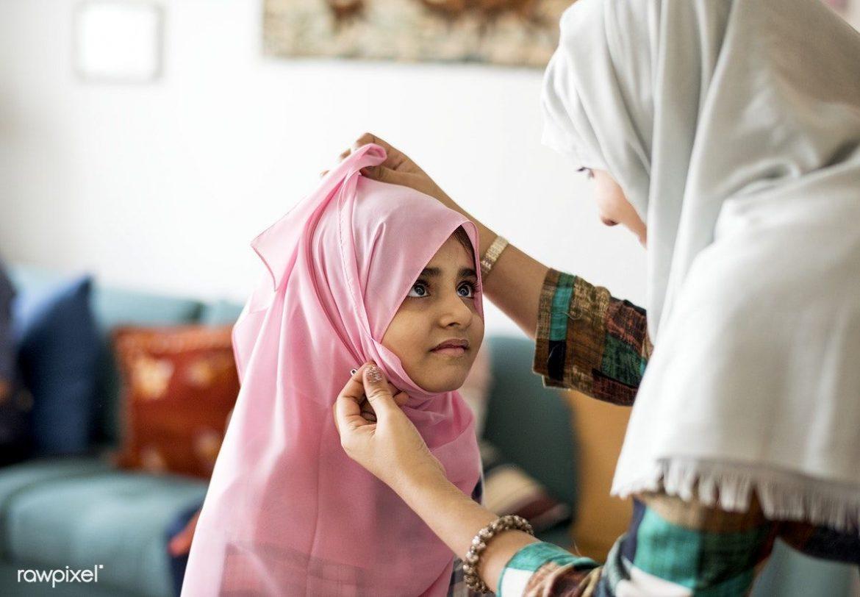 Pembiasaan Jilbab, Ranah Domestik Keluarga Muslim